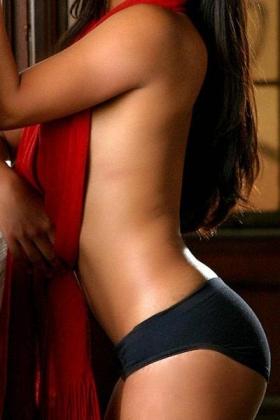 Sexy escort Yuna
